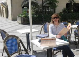 Café  in Compiegne Plaza