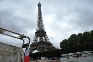 C'est la Vie under the Eiffel Tower