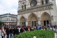 People waiting to visit Notre Dame