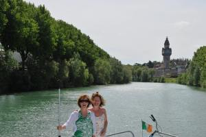 Nuala and Kate in bow as we enter Épernay