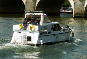 C'est la Vie cruising on the Seine