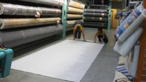 Rolling up the carpet in Hornbach