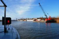 Leaving the port in Chalon